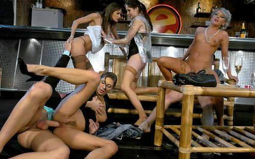 Вечеринка в стиле секс. порно xxx, видео +18. Фото девочек, фото голых дев
